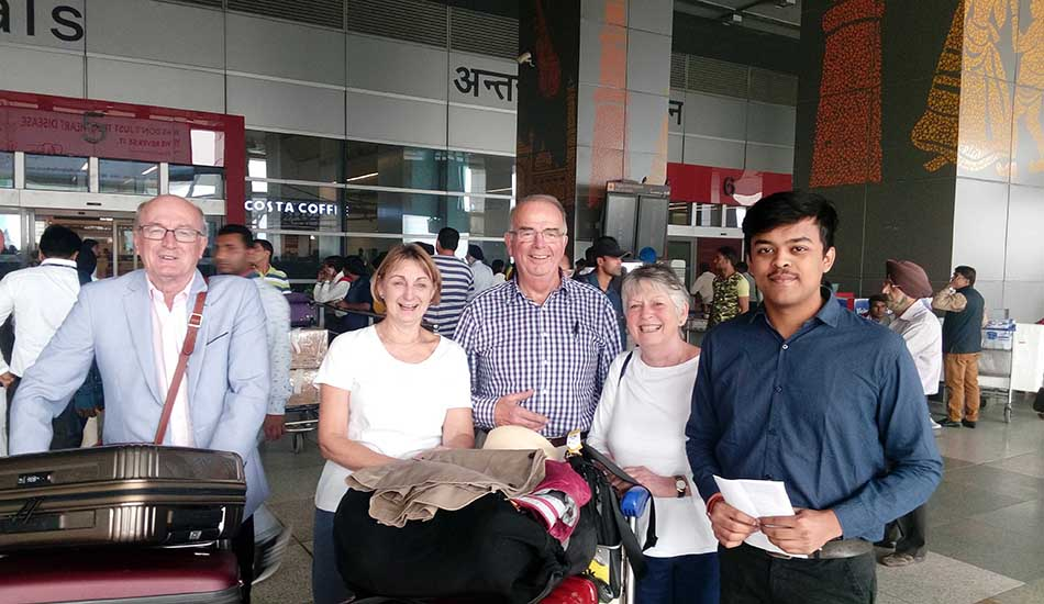 Guest Welcome Airport Smile Travels